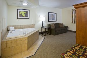 Hotels With Jacuzzi In Room Fargo Nd